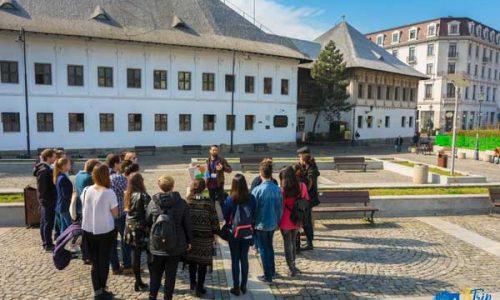 Manucs-Inn-bucharest-free-tour